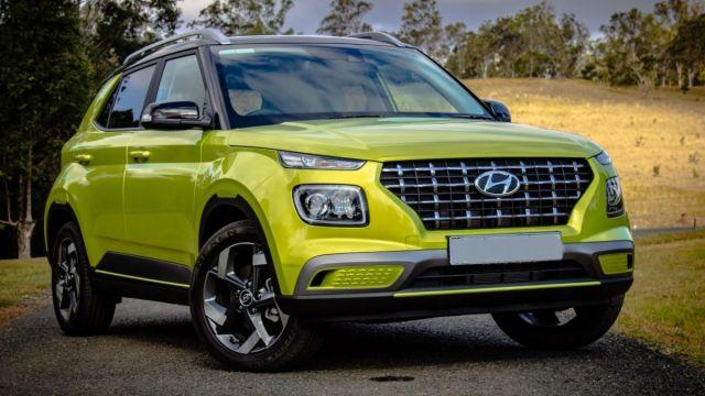 2021-Hyundai-Venue-front
